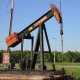 старые нефтяные насосы это не бутафория, если такой насос стоит, значит, он до сих пор работает
